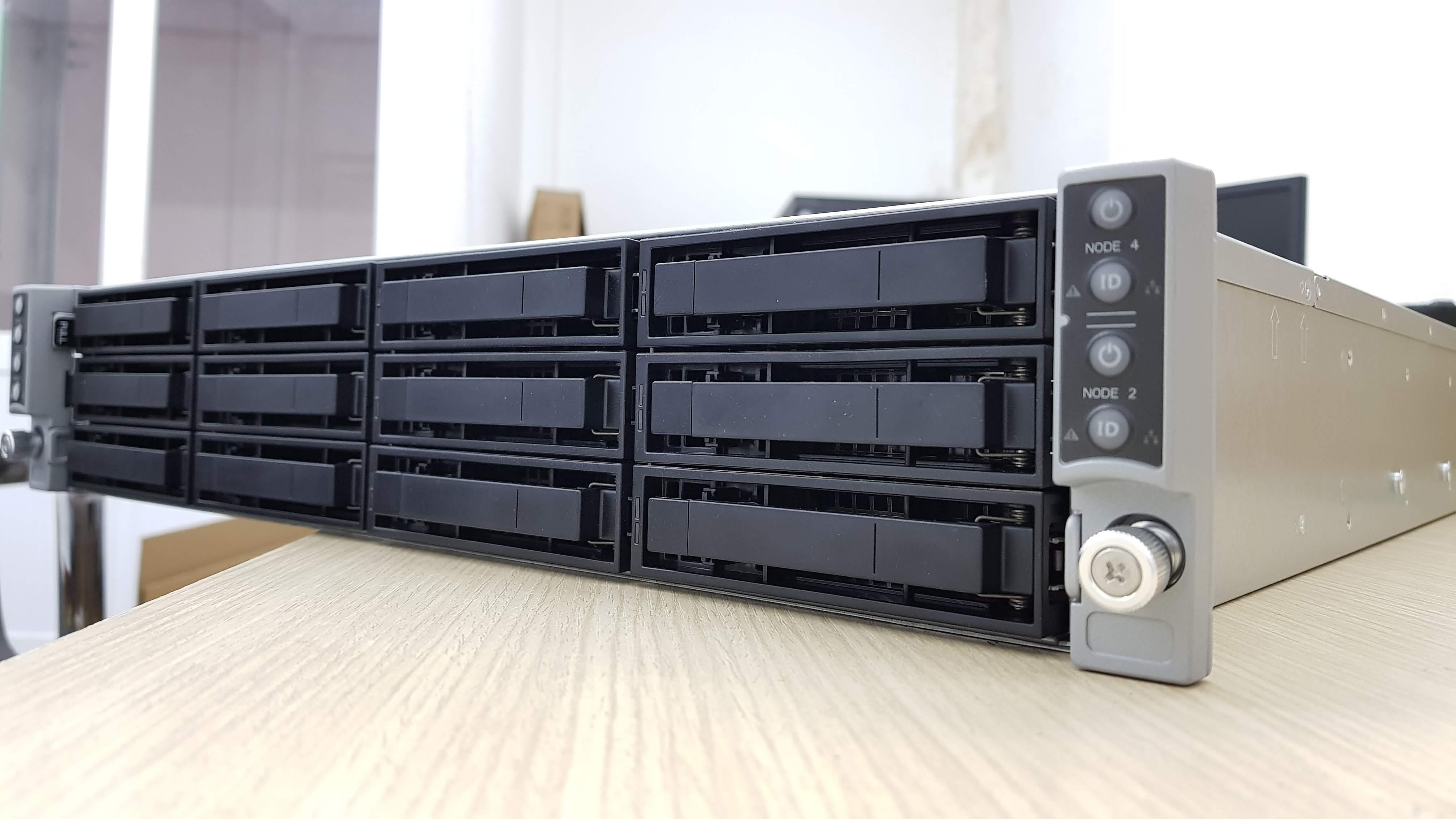 Review hệ thống máy chủ mật độ cao Intel 2U 4-Node trên nền chassis H2000P