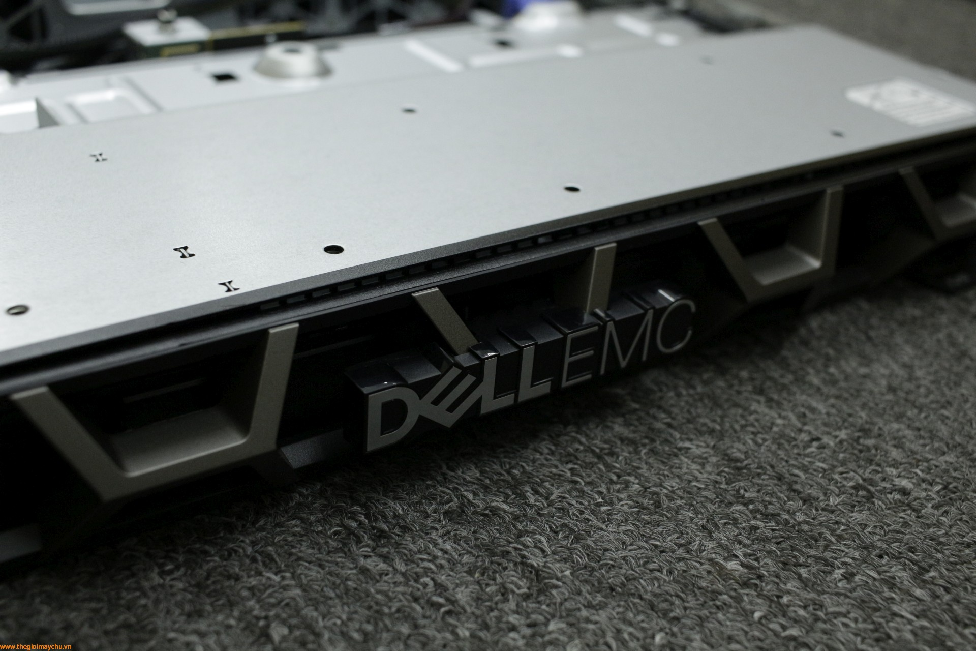 [Review] Dell EMC PowerEdge R240, máy chủ 1U cho ngân sách nhỏ