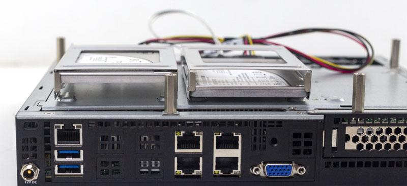 Đánh giá thiết bị nhúng Supermicro AS-E301-9D-8CN4: Hiệu quả với AMD EPYC Series 3000 SoC