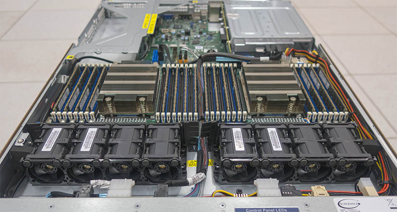 Đánh giá máy chủ Supermicro AMD Server AS-1123US-TR4