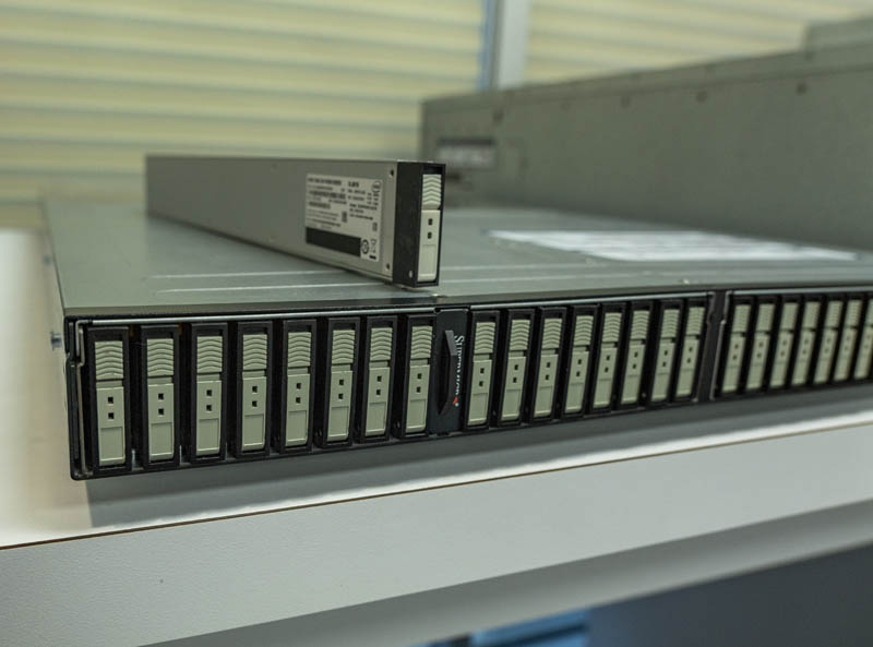 'Trên tay' máy chủ lưu trữ All-flash EDSFF 1U Half-Petabyte của Supermicro