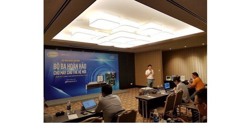 Mobilereview - Nhất Tiến Chung triển khai private cloud SuperMicro trên nền tảng Intel